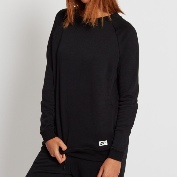 ganancia Por lo tanto yo  Nike Tops | Nike Modern Crew Neck Sweatshirt In Black | Poshmark